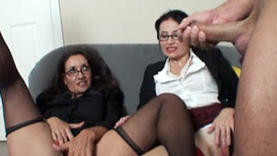 nice slut makes handjob
