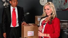 big tits blonde pornstar makes perfect handjob in office