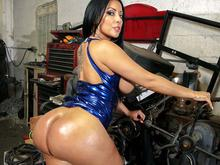 Big Ass Fucked At The Mechanic Shop!