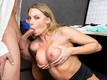 Juelz Ventura in Naughty Office