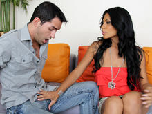 Cassandra Cruz & Kris Slater in Seduced by a cougar