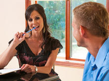 Kendra Lust & Bill Bailey in Seduced by a cougar